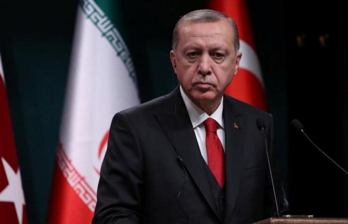 فشل سياسات أردوغان الاقتصادية يرفع أعداد حاملي «شهادة الفقر» بتركيا