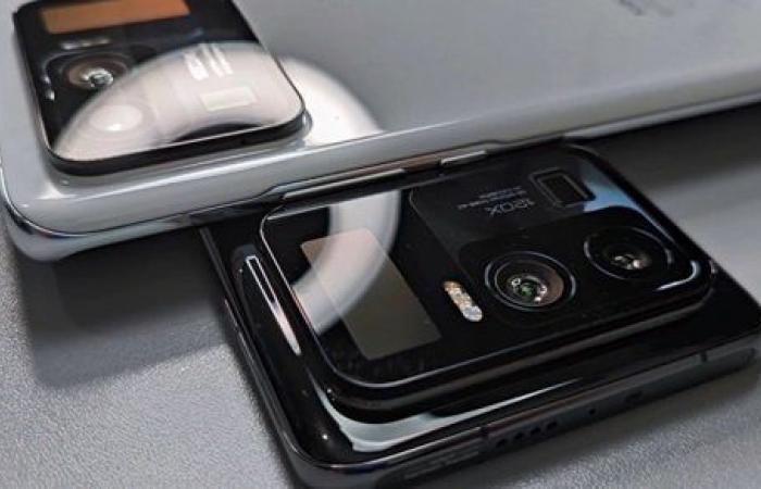 بشاشة ونص.. هاتف Mi 11 Ultra يأتى بتصميم غريب.. فيديو وصور