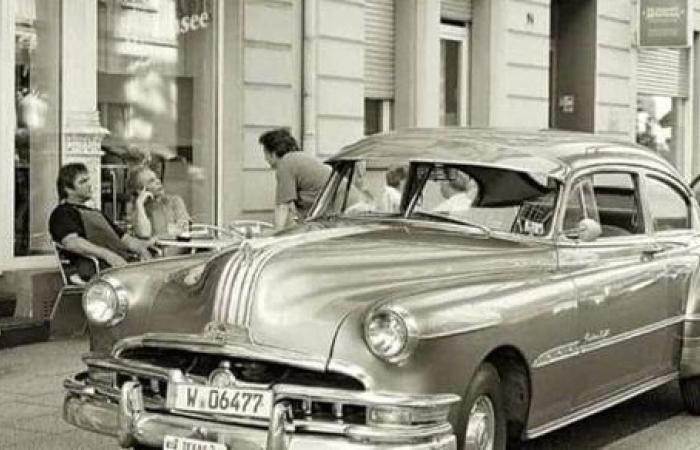 موقف غريب حصل لسيارة كريم عبد العزيز.. اعرف القصة