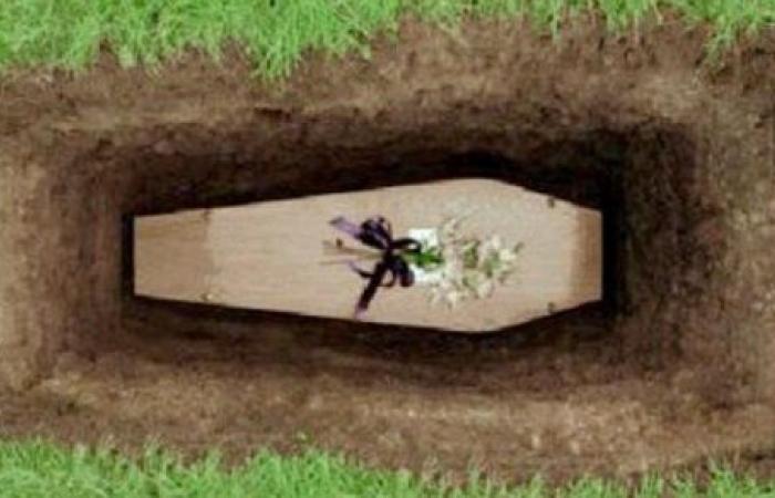 الدعاء يصل للميت كهدية تحول قبره إلى جنة.. بـ25 طريقة لا يعرفها كثيرون