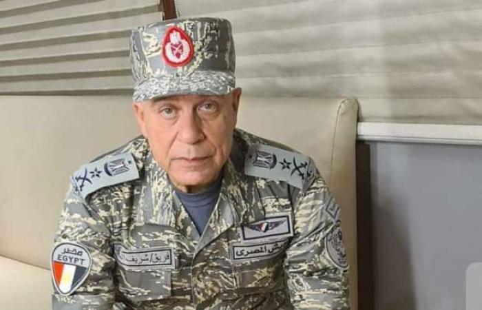 """بـ """"زي عسكري"""".. شريف منير يكشف عن دوره في فيلم """"السرب"""" (صورة وفيديو)"""
