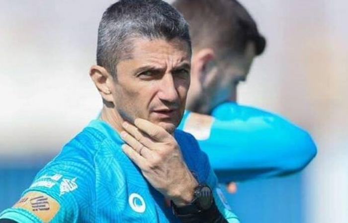 الهلال يعلن إقالة لوشيسكو من قيادة الفريق