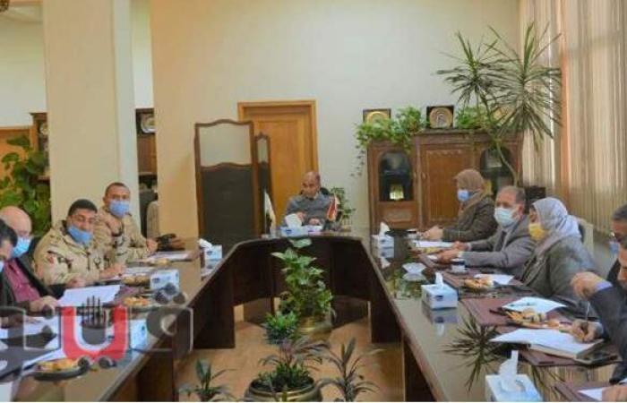 """رئيس جامعة الزقازيق يجتمع بمسئولي """"حياة كريمة"""" بالحسينية"""