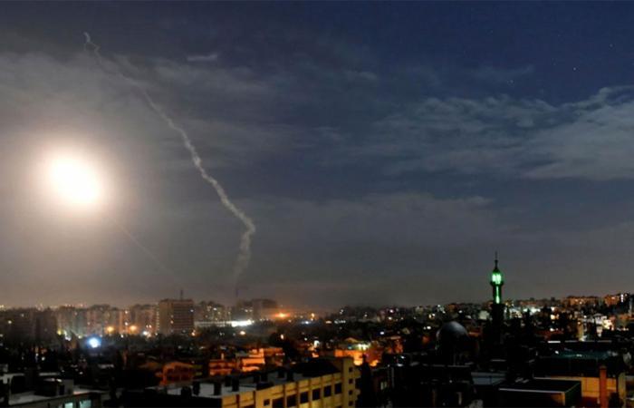 سوريا.. الدفاعات الجوية تتصدى لقصف إسرائيلي على محيط دمشق