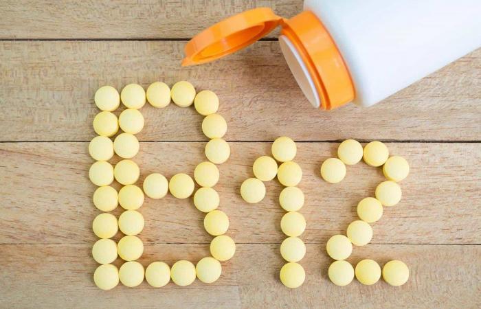 7 علامات خفية لنقص فيتامينB12  المعزز لصحة الجسم