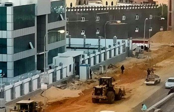 """مسئولو """"الإسكان"""" يتفقدون مشروعات تطوير الطرق بمدينة بدر.. صور"""