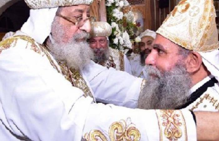 """البابا تواضروس يمنح درجة """"القمصية"""" لكاهن كنيسة محرم بك"""