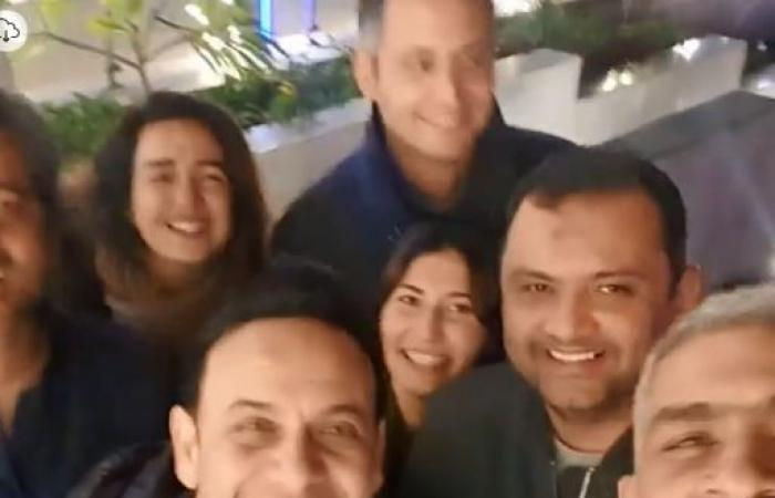 هاني عادل يغنى مع مصطفى قمر.. ويعلق: اللى اتعلمت منه أول ما بدأت أغنى.. فيديو