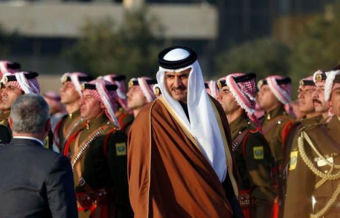 """أمير قطر يوجه دعوة """"عاجلة"""" إلى جميع الأطراف اللبنانية... بماذا أخبر الحريري"""