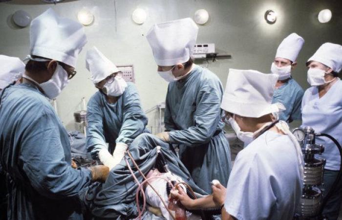 إسرائيل.. أطباء يجرون عملية زراعة قلب هي الأولى من نوعها في العالم