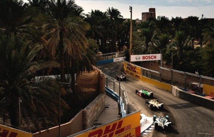 12 فريقاً و24 سائقاً عالمياً في «فورمولا إي الدرعية»