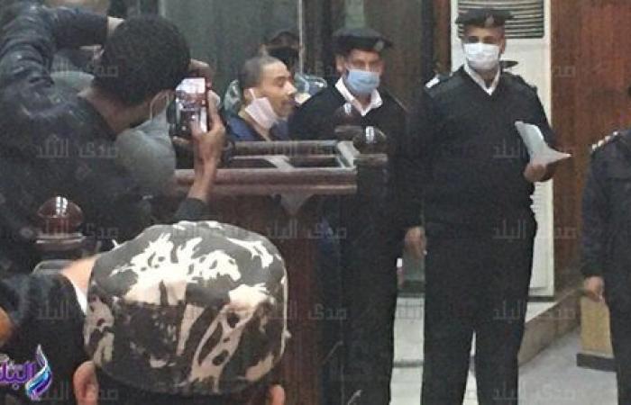 الجنايات ترفع جلسة محاكمة سفاح الجيزة في قتل صديقه للاستراحة