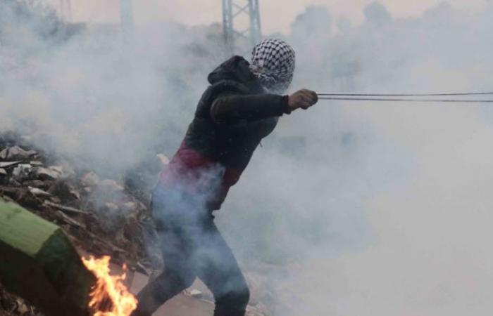 صور.. إصابة شابين فلسطينيين برصاص الاحتلال فى مسيرة مناهضة للاستيطان