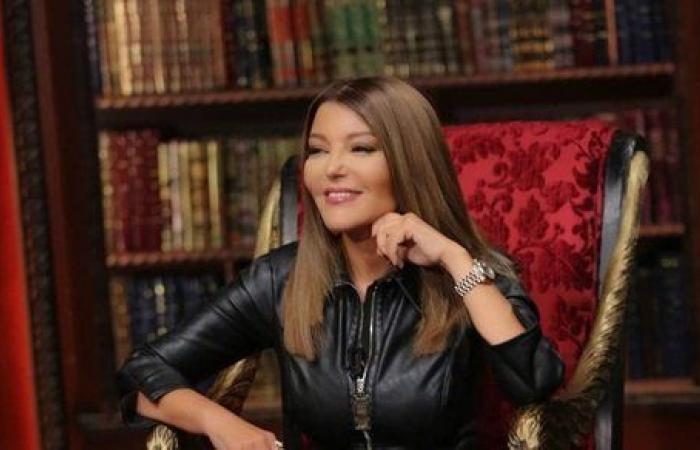 """سميرة سعيد تتحدث عن والديها في """"السيرة"""""""