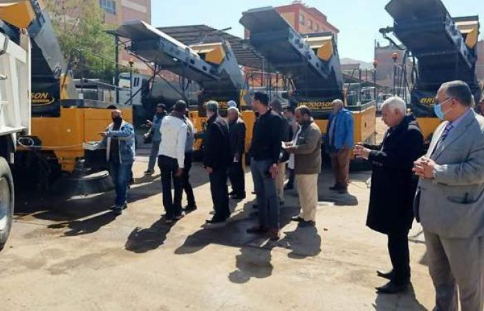 وصول ٢٣ معدة كنس وشفط الأتربة من الشوارع والميادين لأسيوط | صور