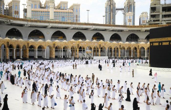 فيديو.. خطيب المسجد الحرام: سجلوا للحصول على لقاح كورونا في وقته