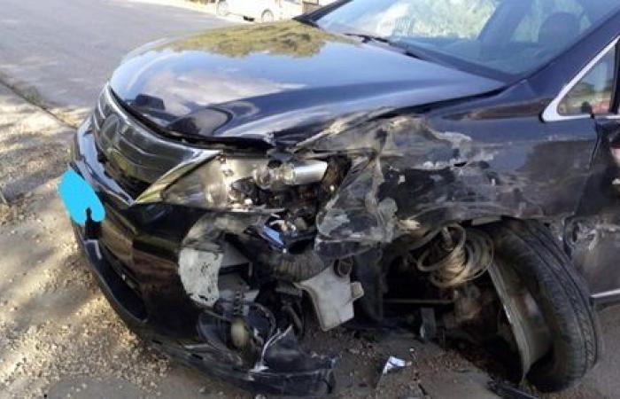 حادث مرور.. شاهد | دهس سيارة عند تقاطع مروري بأحد المناطق السكنية