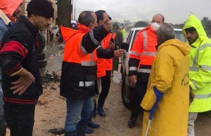 استمرار كسح وشفط مياه الأمطار من شوارع وميادين الإسكندرية | صور