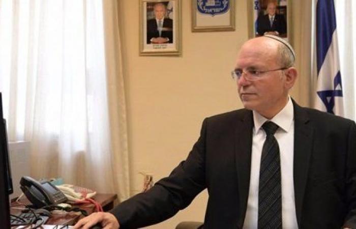 بعد قرار نتنياهو.. وزير جيش الاحتلال يسعي لإلغاء تعيين بن شبات مبعوثًا للاتصالات مع أمريكا