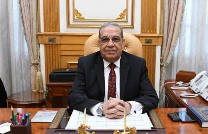 """""""مرسي"""": إنتاج أتوبيس كهربائي بتصميم مصري قبل نهاية العام"""