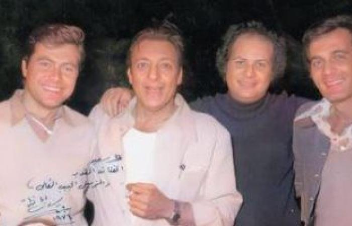 صورة نادرة تجمع محمود ياسين مع رشدى أباظة وحسين فهمى