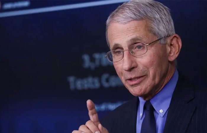 مدير معهد الأمراض الأمريكي: ارتداء الكمامات قد يستمر حتى 2022