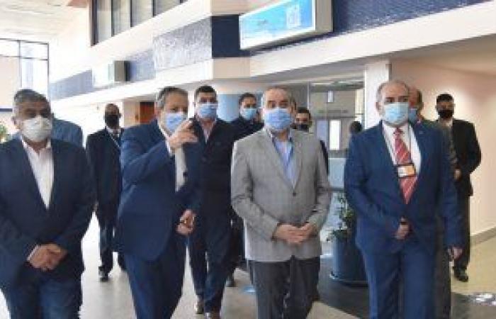 وزير الطيران المدنى يتفقد مطار القاهرة بعد جولة موسعة بمرسى علم.. صور