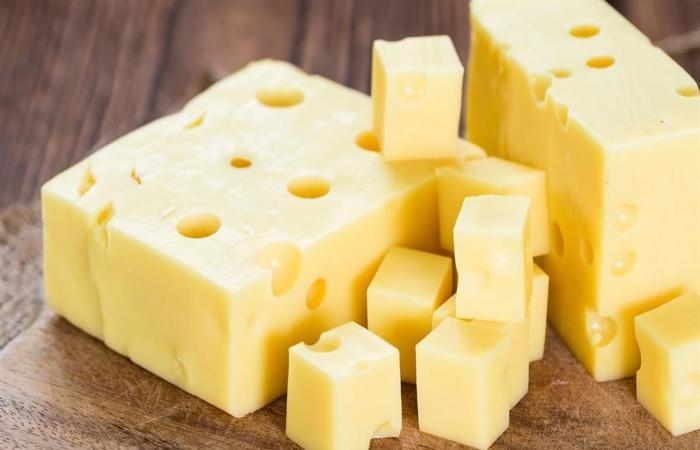 احذر الجبنة الرومي تسبب جلطات القلب وبكتيريا بالمعدة