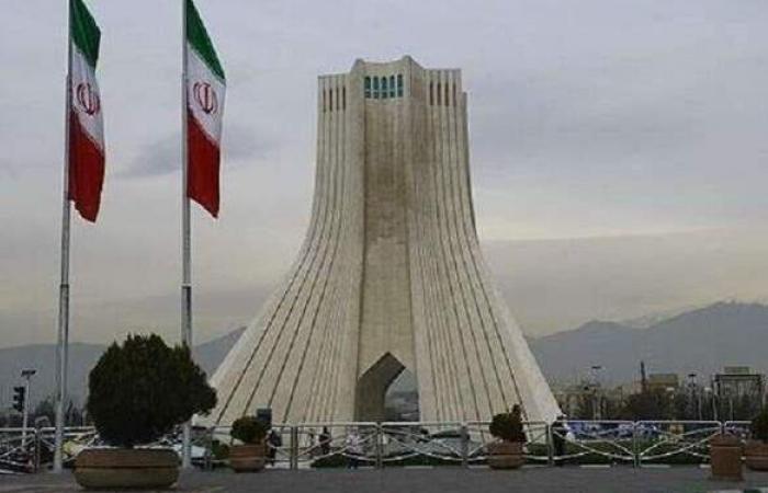 برلمان إيران يصوت على رفض اتفاق روحاني مع وكالة الطاقة الذرية