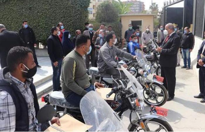 المحرصاوي يسلم أصحاب الهمم بجامعة الأزهر دراجات بخارية