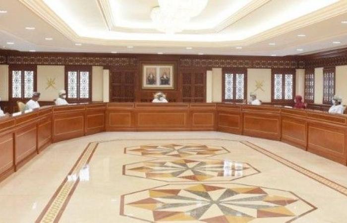 سلطنة عمان: تعليق دخول المسافرين القادمين من 10 دول