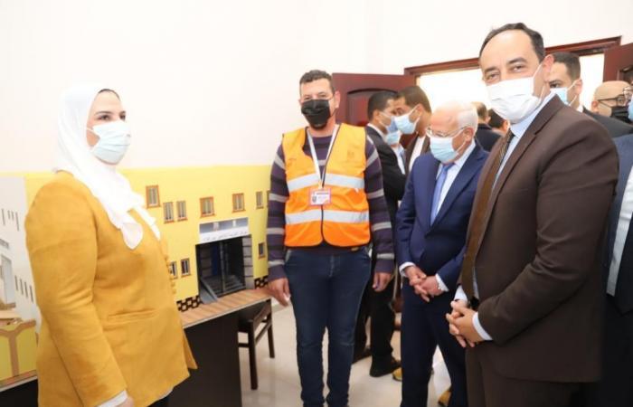متعافى من الإدمان يصمم ماكيت لمركز العزيمة لتأهيل المرضى ببورسعيد.. صور