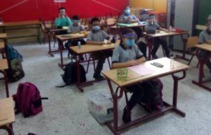 الإدارات التعليمية تضع الامتحان الورقى لطلاب الصفين الأول والثانى الثانوى