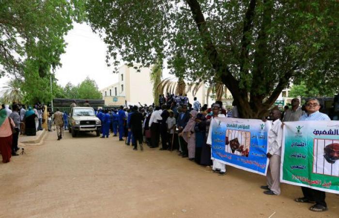 السودان... محكمة مدبري انقلاب يونيو ترفع جلساتها حتى 9 مارس