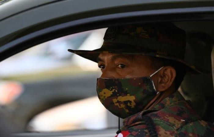 جيش ميانمار يعيد ألفي مواطن فروا من البلاد إلى ماليزيا