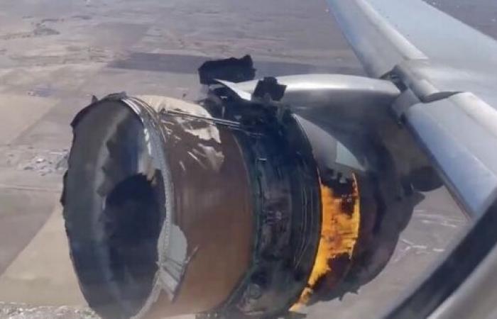 فيديو.. رد فعل الطيار عند اشتعال النيران بمحرك الطائرة