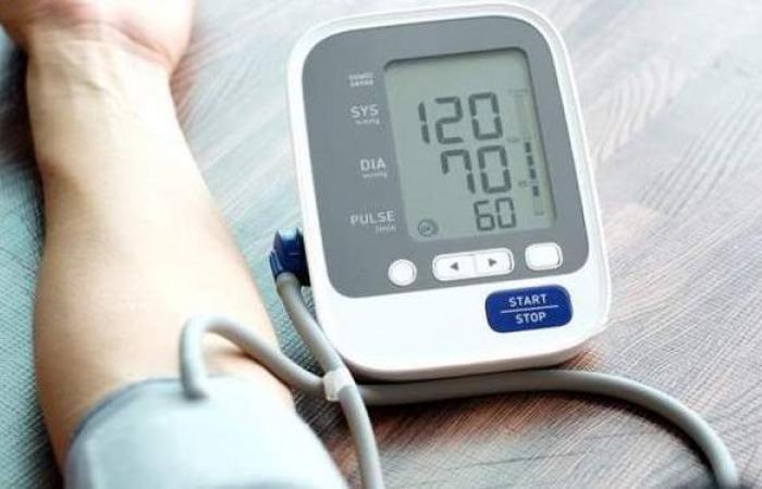 أعراض الضغط المنخفض .. و10 أطعمة تعالج انخفاضه في وقت قياسي
