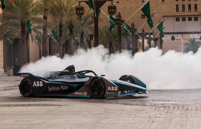 «فورمولا إي» ترفع الستار عن آخر استعدادات سباق «الدرعية 2021»