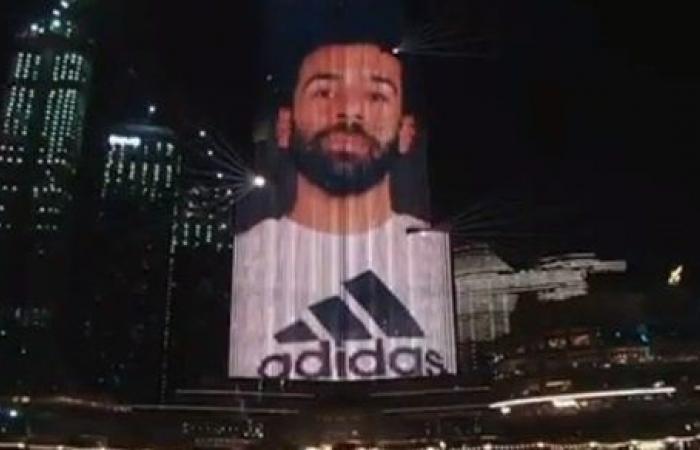 الإمارات تضع صورة محمد صلاح على برج خليفة.. اعرف السبب