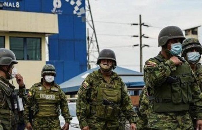 جثث متفحمة مقطعة الرؤوس.. صدمة في الإكوادور عقب قتل 80 معتقلاً خلال مواجهات عنيفة بالسجون