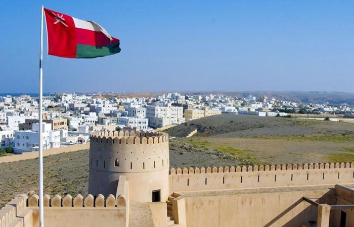 سلطنة عُمان تمدِّد غلق الشواطئ والمتنزهات والحدائق العامة بسبب كورونا