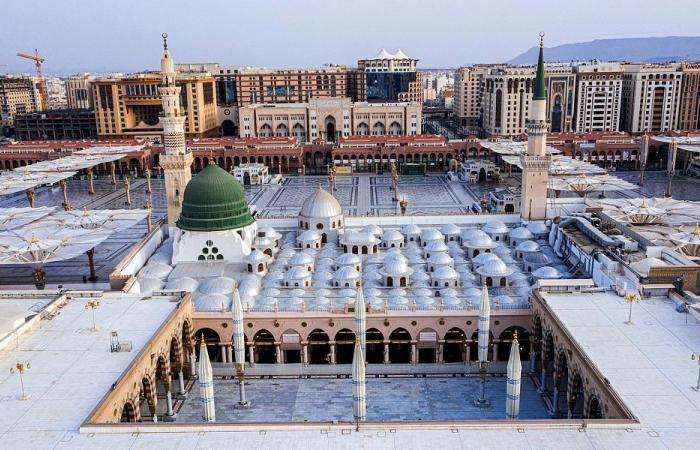 صور.. تطور الحصوة في المسجد النبوي الشريف