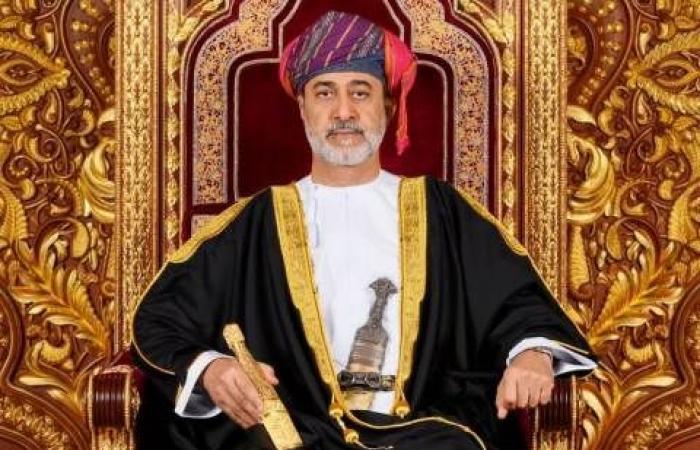 سلطان عمان يهنئ الملك سلمان بنجاح العملية الجراحية لولي العهد
