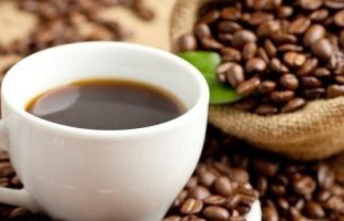 اضرار شرب القهوة بكثرة منها تقليل الخصوبة والصداع