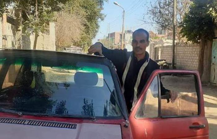 صنع في المنيا.. شاب يبتكر سيارة تعمل بالطاقة الشمسية بدلا من البنزين   صور