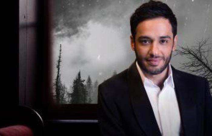 """رامى جمال يطرح """"بتتجاوز"""" أول أغانيه باللهجة الخليجية.. فيديو"""