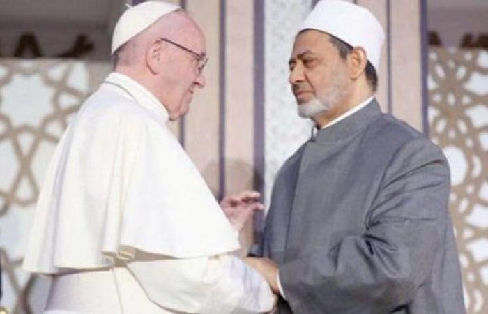 """شيخ الأزهر عن زيارة بابا الفاتيكان للعراق """"أدعو الله له بالتوفيق"""""""