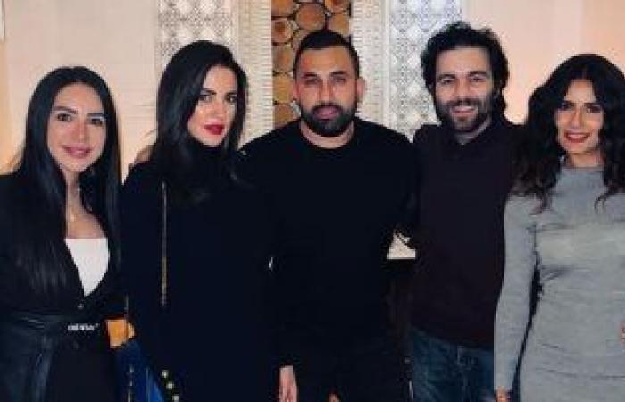 إنجى علاء × صورة من احتفالها بعيد ميلادها مع درة