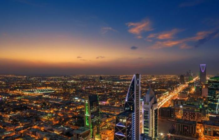 """السعودية تفاجئ مواطنيها بقرار """"سعيد"""" بشأن """"كورونا"""""""