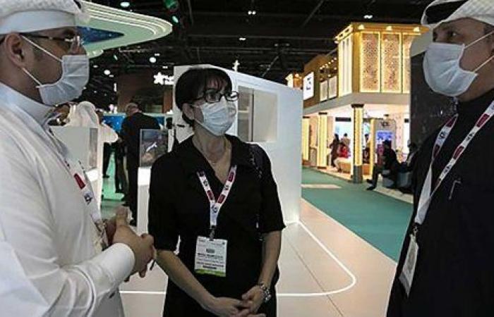 الإمارات تسجل 3072 إصابة جديدة بفيروس كورونا
